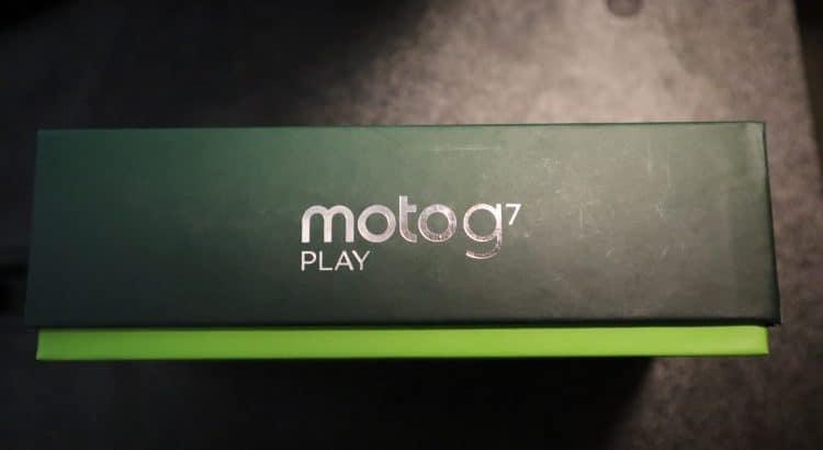 Motorola G7 Play Box